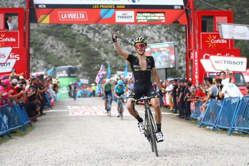 Yates conquers stage 14 with well-timed effort on the final climb to re-claim lead at La Vuelta