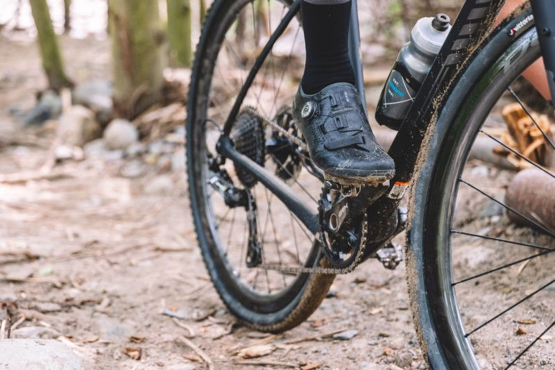 Shimano Introduces Ultra-Lightweight RX8 Gravel Racing Shoe