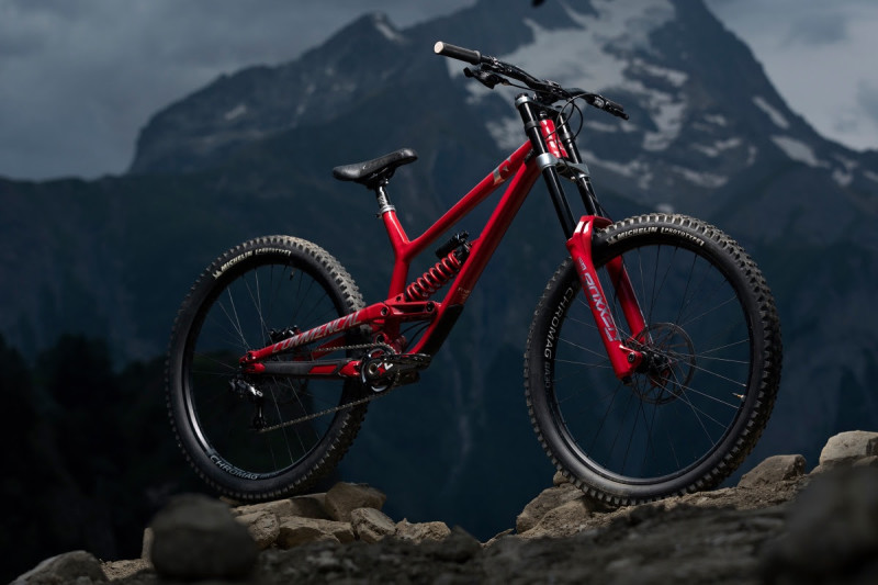 New Commencal Furious - The Calm Before the Storm