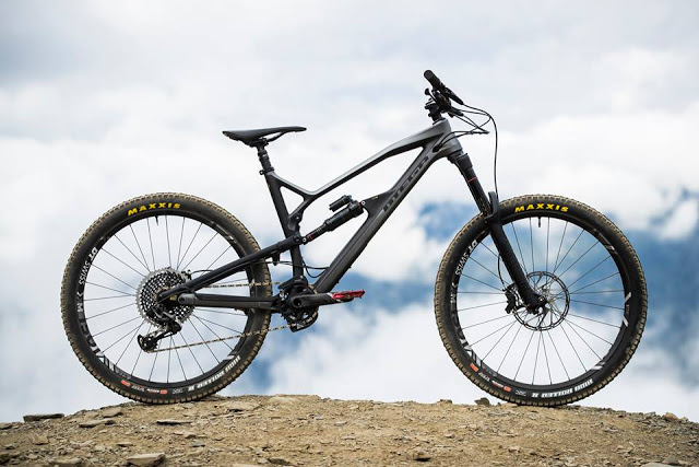 NukeProof's New Mega 275 Carbon Released